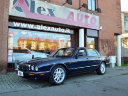 Jaguar XJ8 3.2 cat Executive Interni in pelle